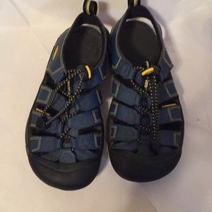 Keen Navy sandals with yellow stitching size 1